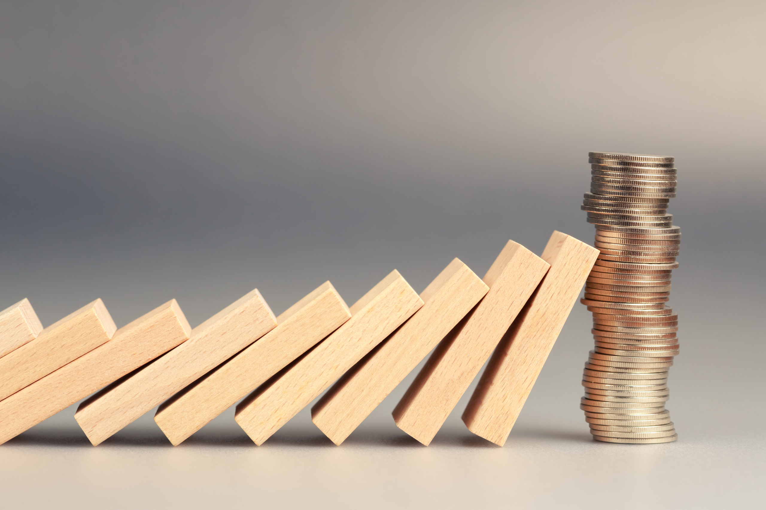 Geldmünzen Dominoeffekt